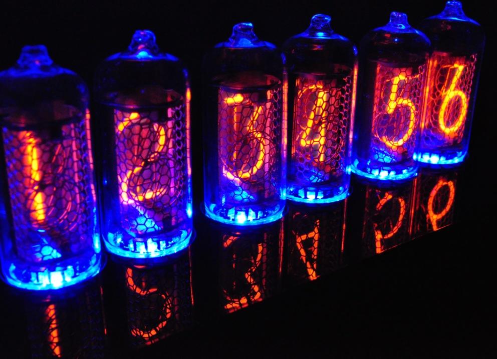 IN-8 Blue Dream Nixie Clock in Black     - Nocrotec Shop